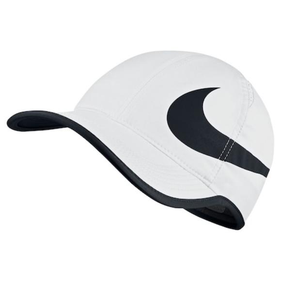 96ddd8cf9ea Nike Aerobill Featherlight Dri-Fit Tennis Cap